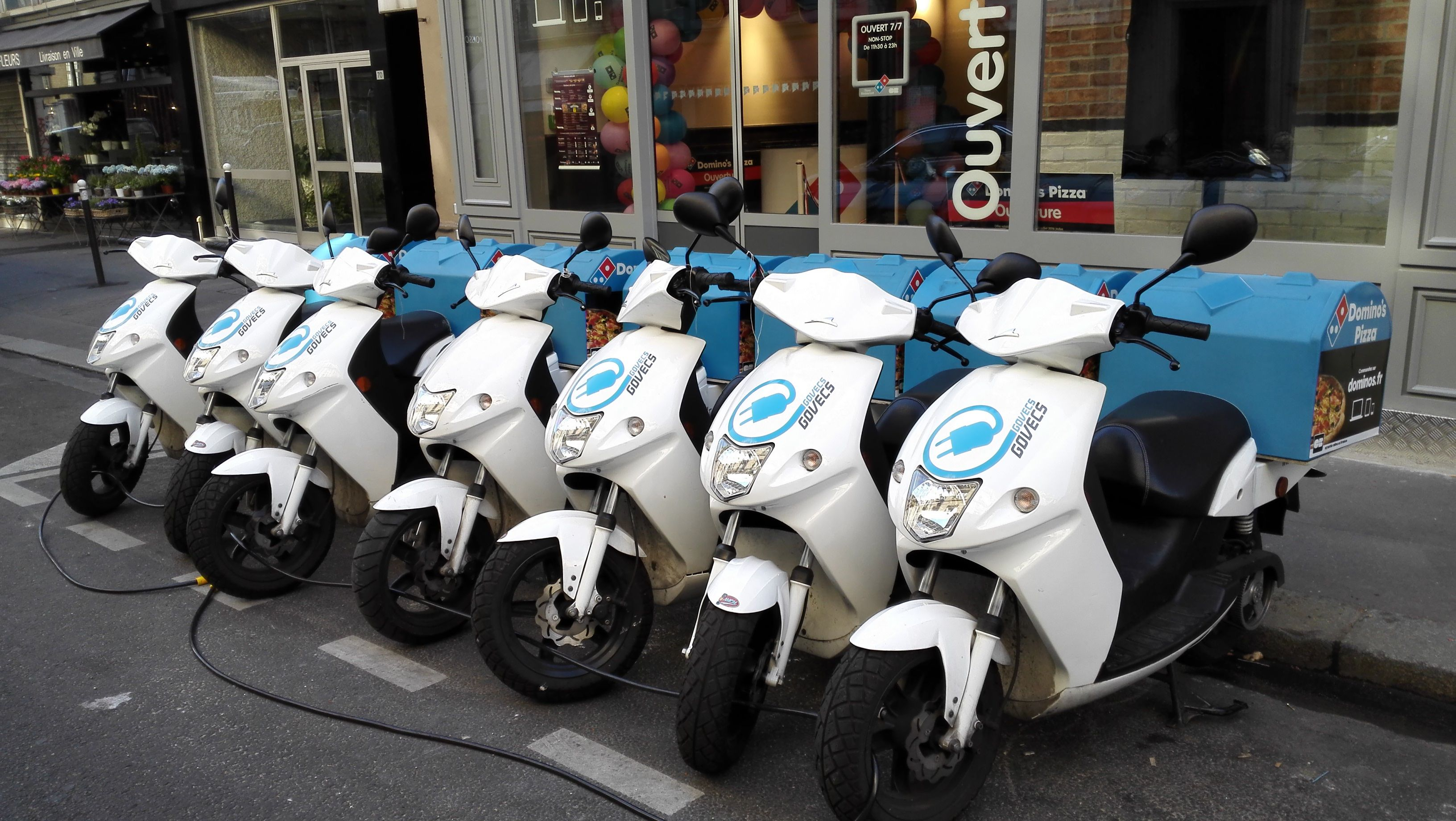 flotte de scooters lectriques domino 39 s pizza logistique urbaine logistique urbain et scooters. Black Bedroom Furniture Sets. Home Design Ideas