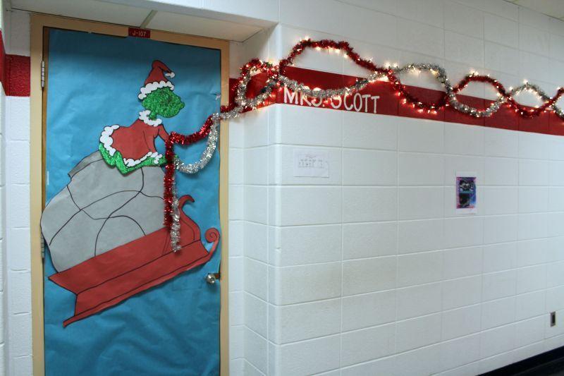 Grinch Christmas Door Decoration Idea | classroom door ...