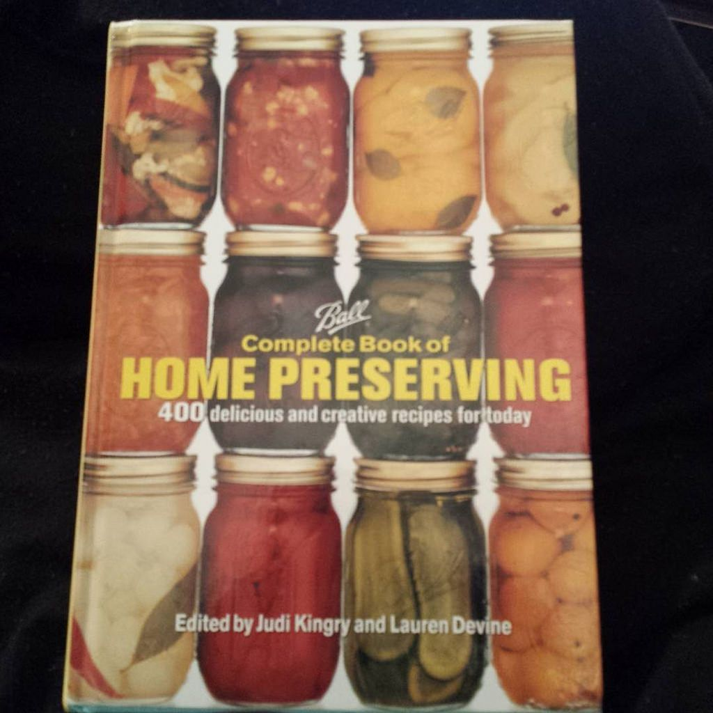 https://flic.kr/p/DwZZSD | #ballcompletebookofhomepreserving , has arrived! I got a hard copy. I mean business !#canning, #preserving ,#pressurecanning ,#waterbathcanning ,#blackwomencanningfood, #healthy #food ,#foodporn !