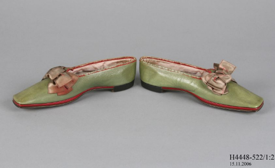 Prize work shoes by Robert Dixon Box, 1851, Powerhouse Museum