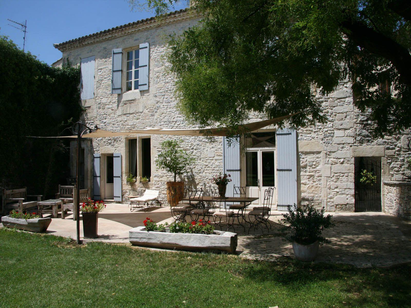 Salle de reception mariage seminaire chambres d hotes Nimes Gard