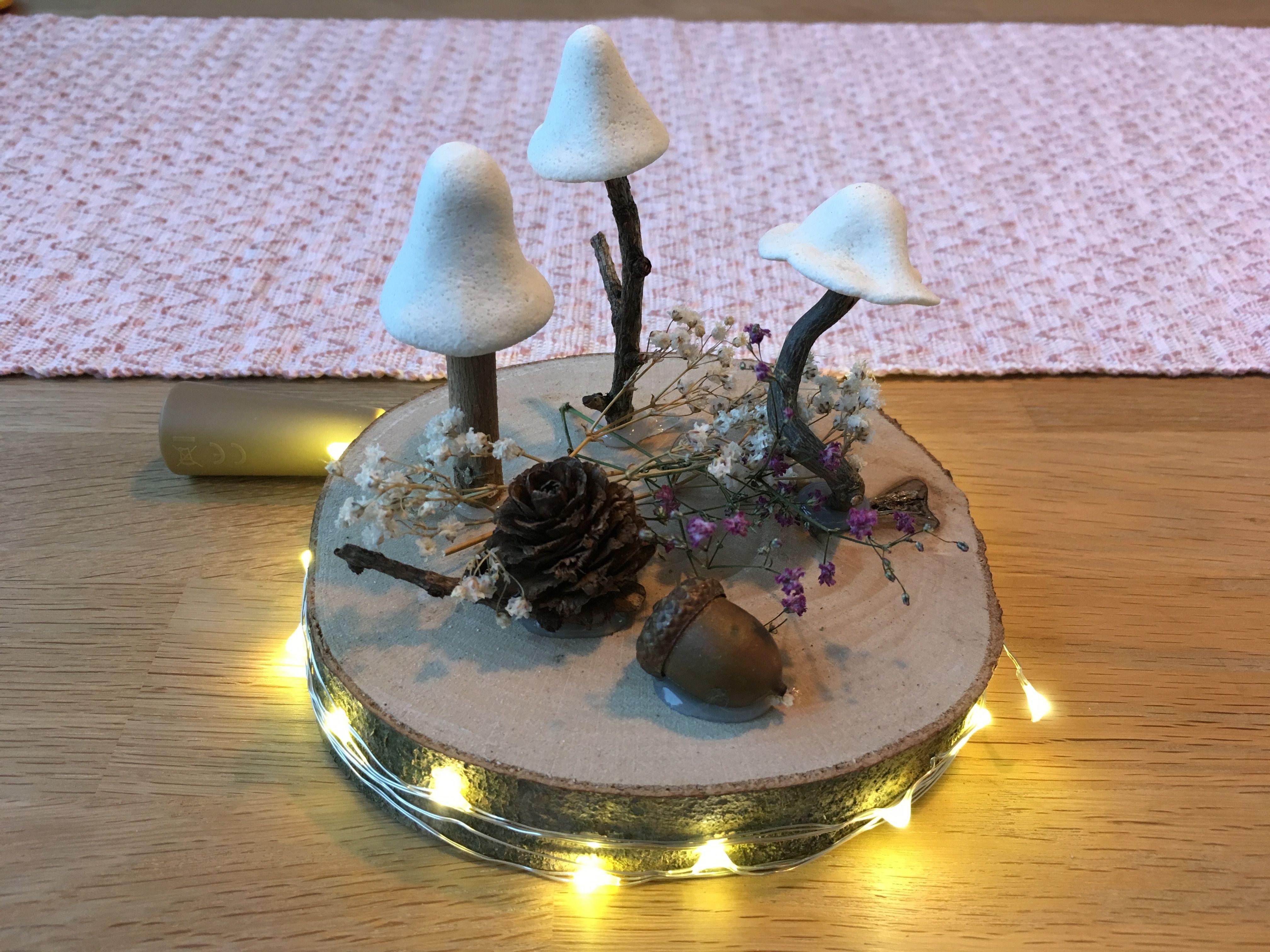 Herbstdeko aus Naturmaterialien  #herbstlichetischdeko Herbstliche Tischdeko aus Naturmaterialien und Salzteig mit Lichterkette #herbstlichetischdeko
