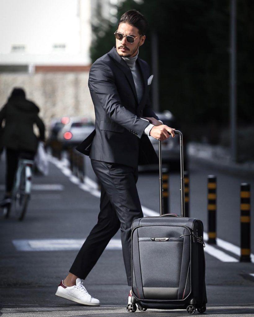 Vykrojki Krojka I Shite On Instagram Vykrojka Chehla Dlya Odezhdy Diy Travel Bag Leather Bags Handmade Diy Clothes