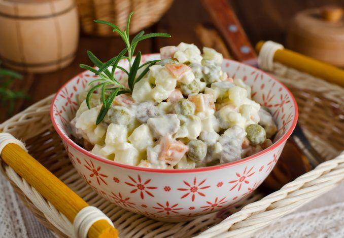 Salat Olivje mit Kartoffel und Eier | Russischer Eiersalat Olivie | Foodtempel #olivierrussischersalat
