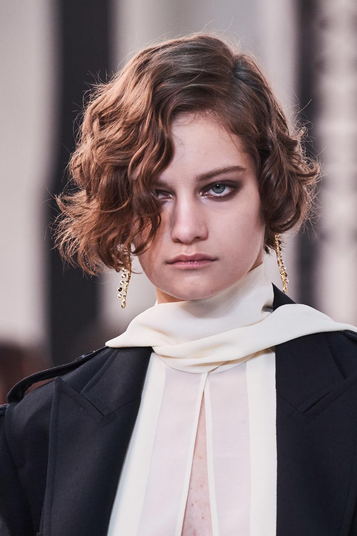 Chloe Spring 2020 Ready To Wear Fashion Show Catwalk Hair Ready To Wear Runway Hair Trends