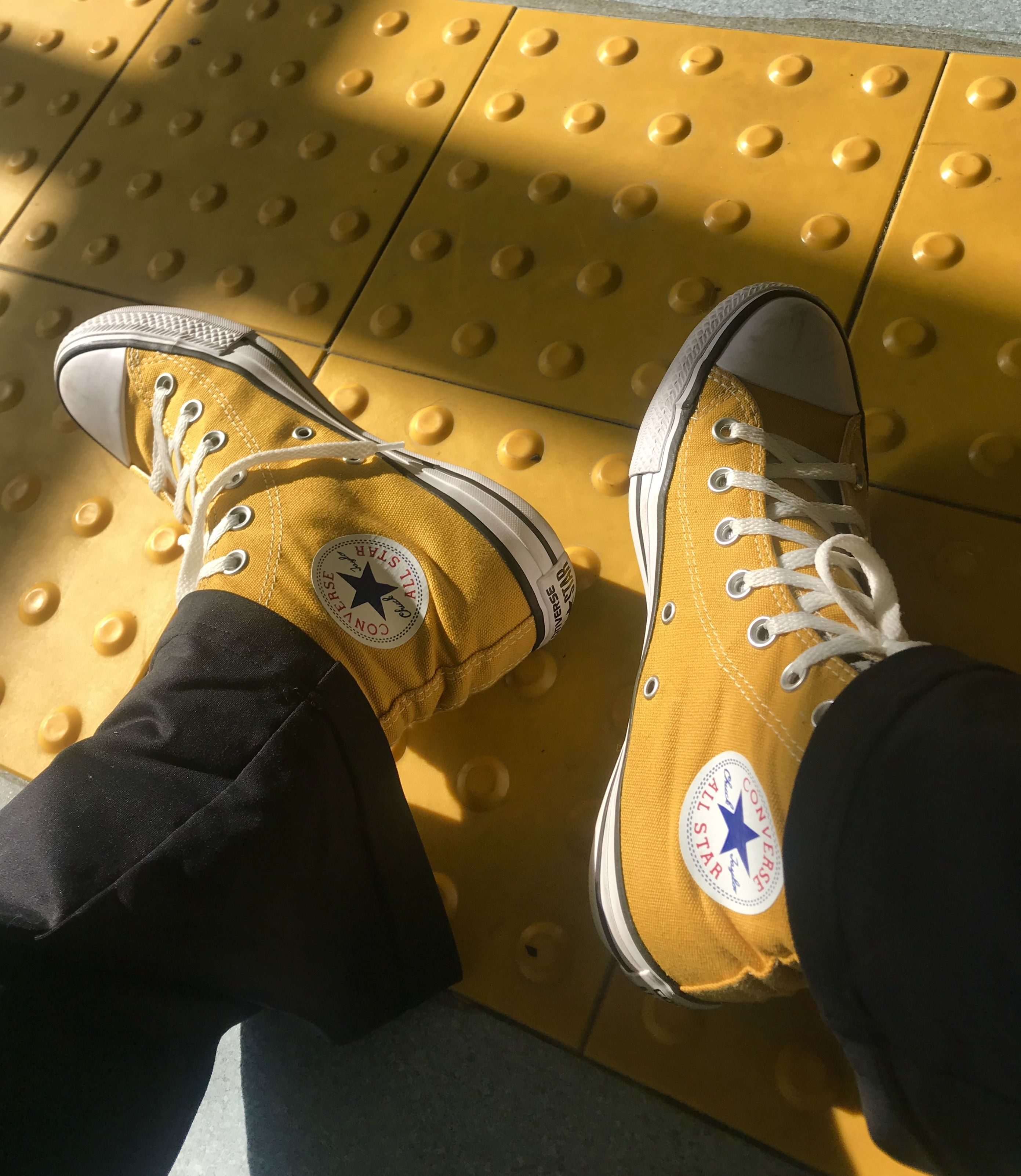 Yellow converse all star ⭐️