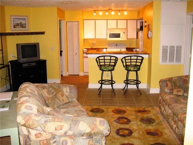 Villa Del Sol Vacation Rental Vrbo 390678ha 2 Br Kissimmee Central Apartment In Fl Tropical Delight House Rental Florida Vacation Rentals Vacation Rental