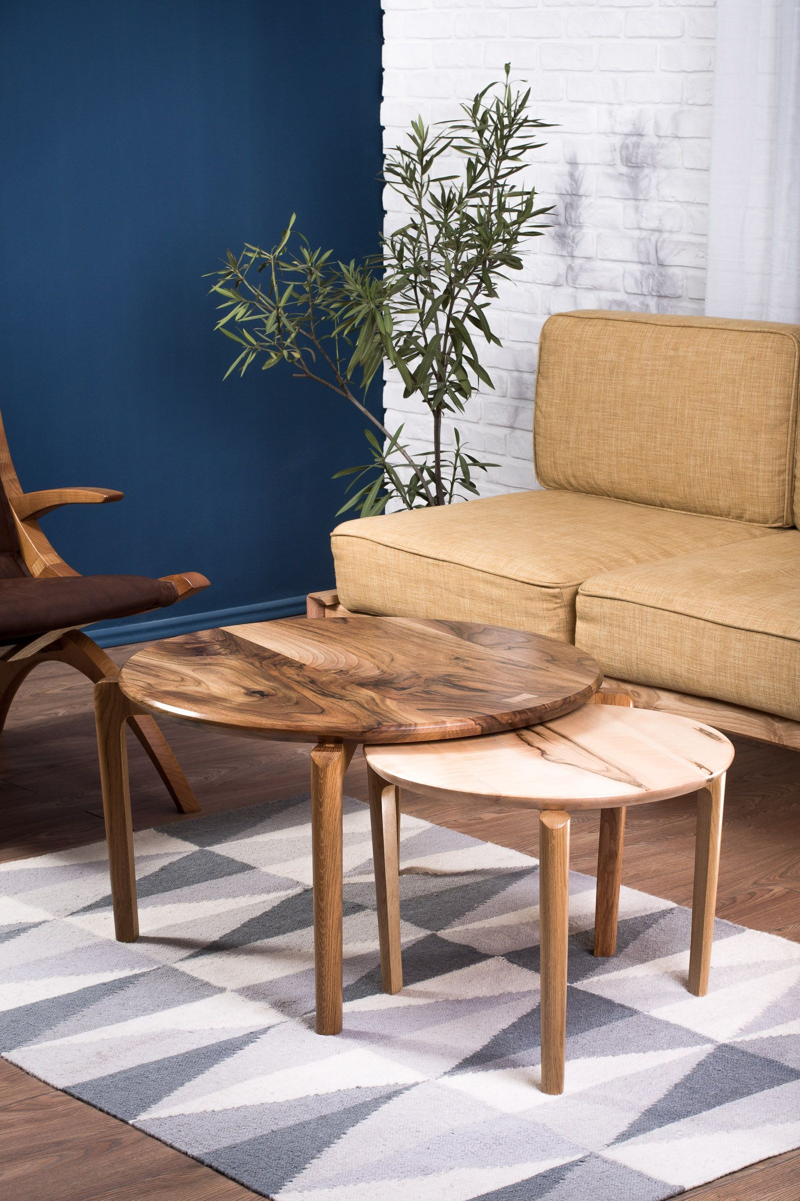 Jupiter nested tables round coffee table decor