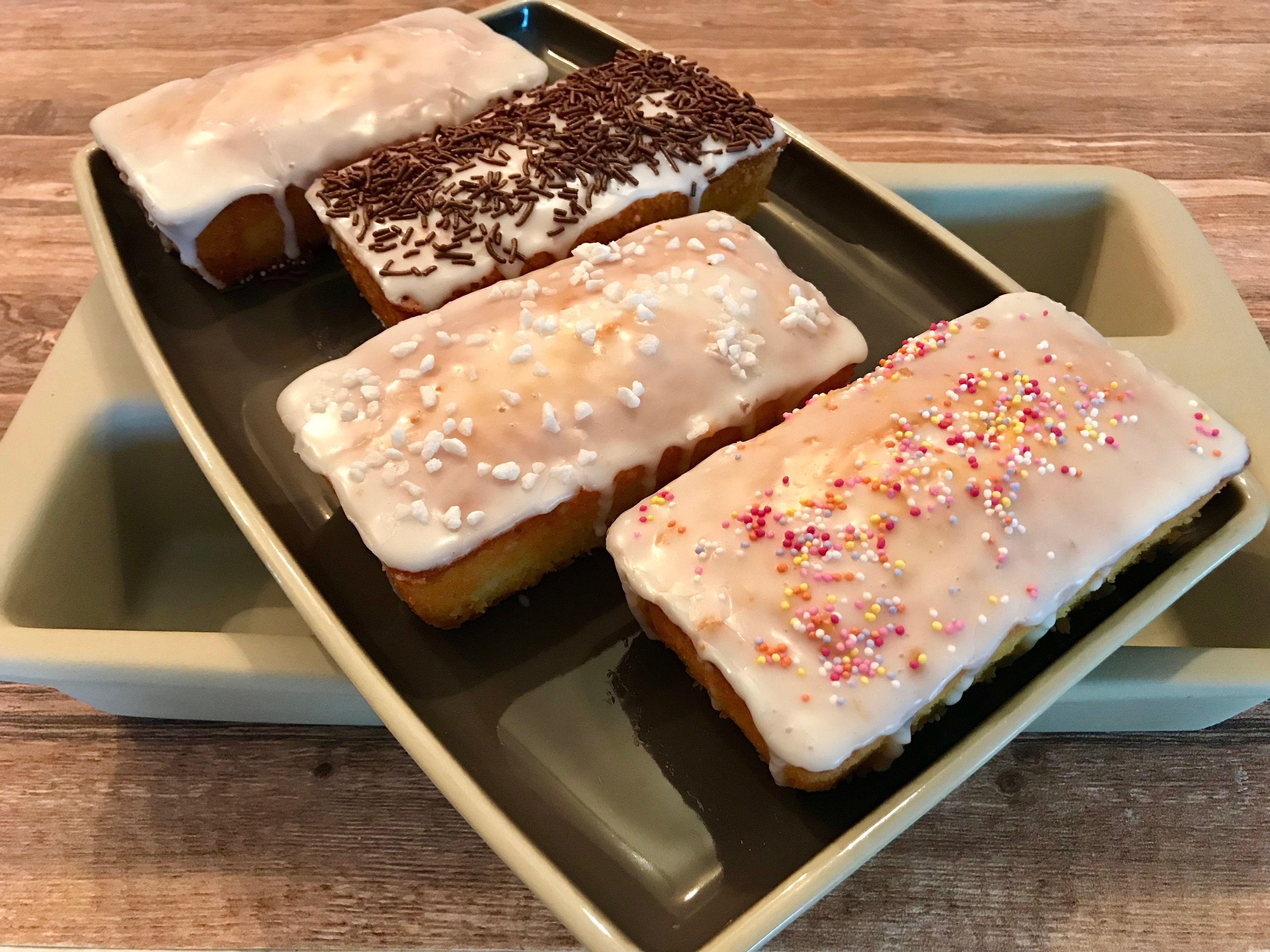 Mini Zitronenkuchen Wie Von Starbucks Aus Der Mini Kastenform Von Pampered Chef Zitronen Kuchen Zitronenkuchen Lebensmittel Essen
