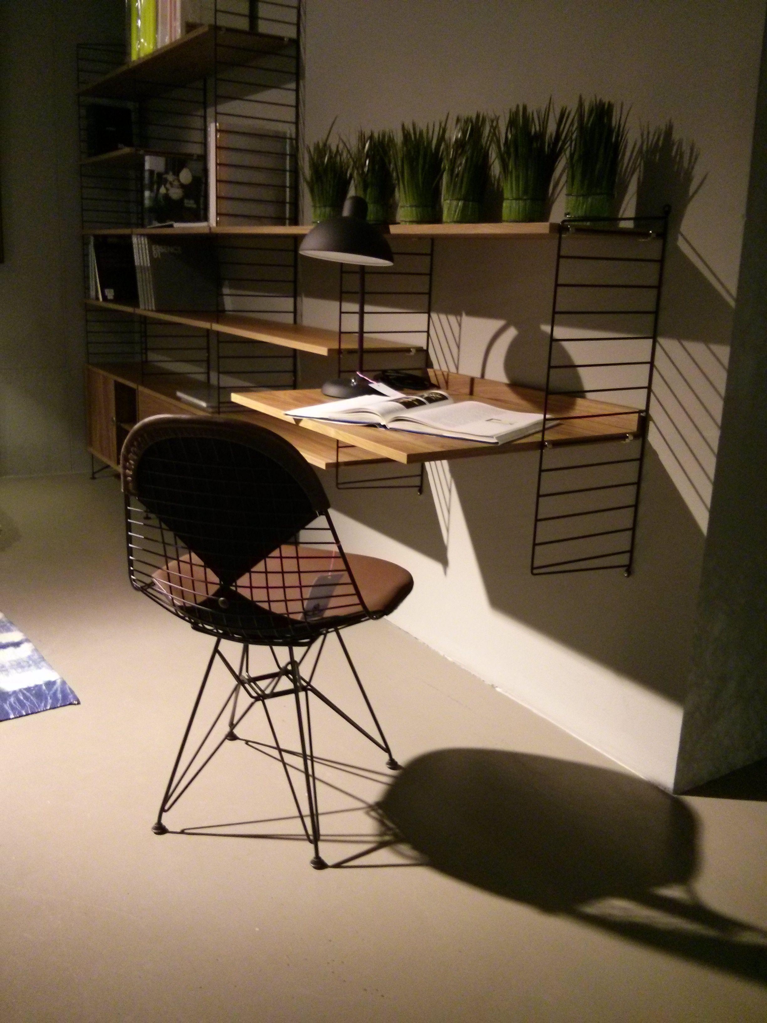 string regal in nussbaum wire chair vitra mit bikini. Black Bedroom Furniture Sets. Home Design Ideas