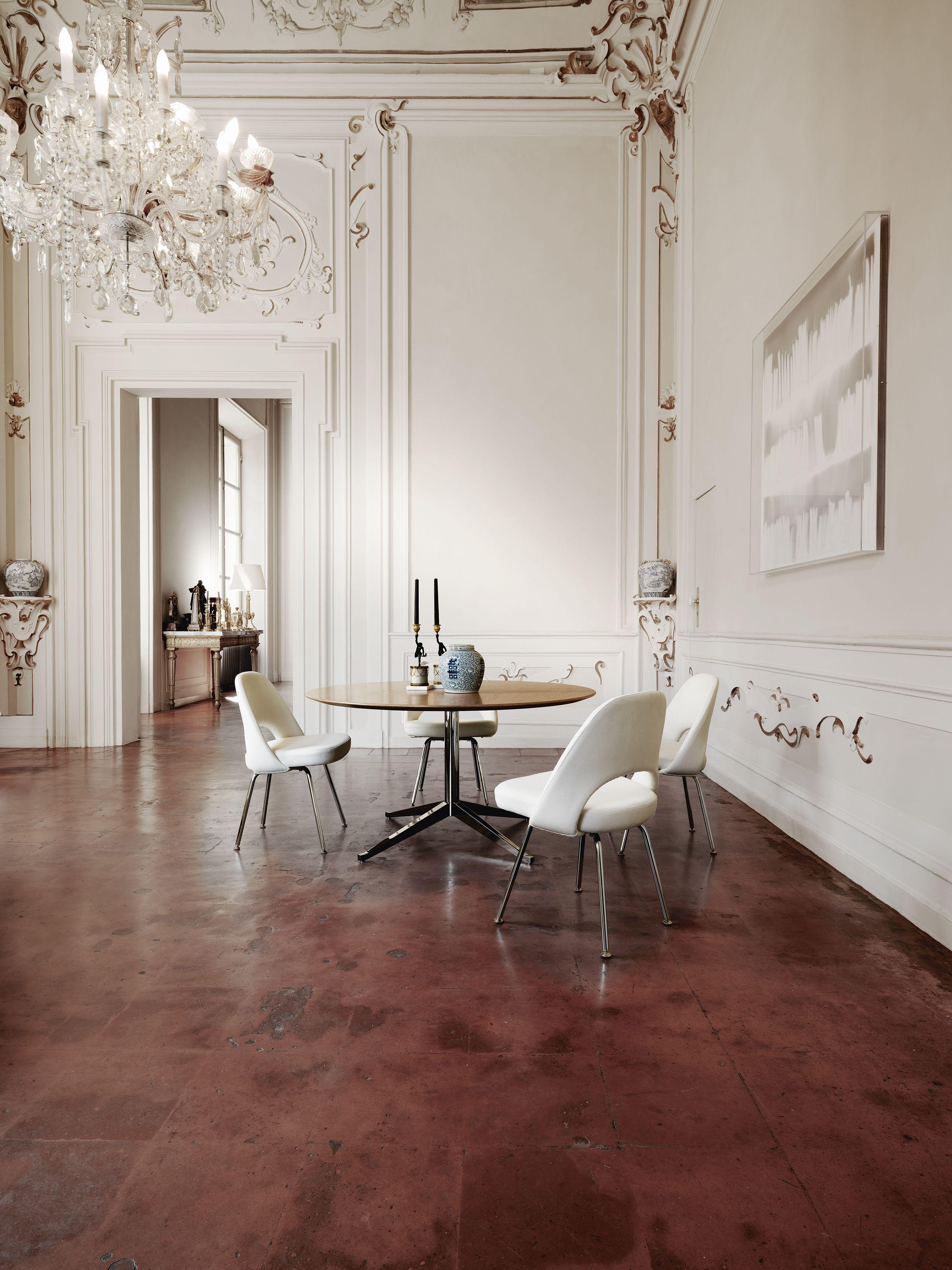 Florence Knoll Table Desk And Saarinen Executive Chairs Meuble Salle A Manger Maison Architecte Interieur