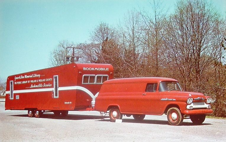 Bookmobile of the Grace A. Dow Memorial Library, the public library of Midland and Midland County, Michigan.