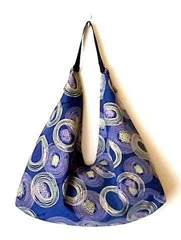 2WAYあずま袋 『バウム (ブルー)』 マチ有り(ショルダーベルト付き)個性的な花柄が可愛らしいです。そのまま、あずま袋としても使えますしショルダーベルトを...