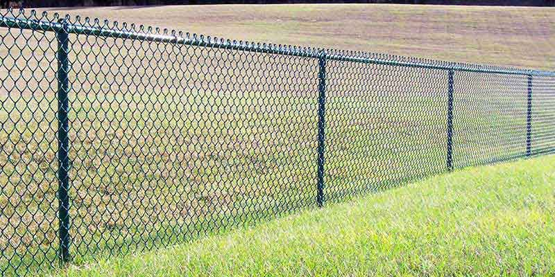 Cost To Install A Fence 2020 Average Prices Chain Link Fence