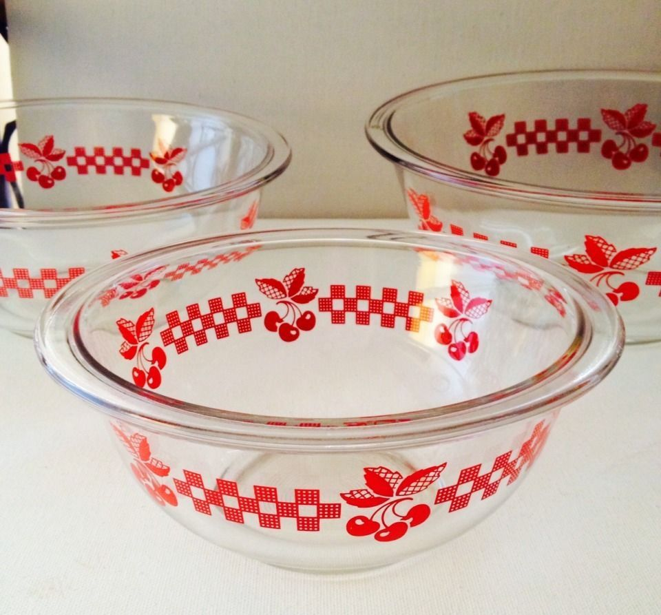 Vintage Pyrex Red Cherries Mixing Nesting Bowls No