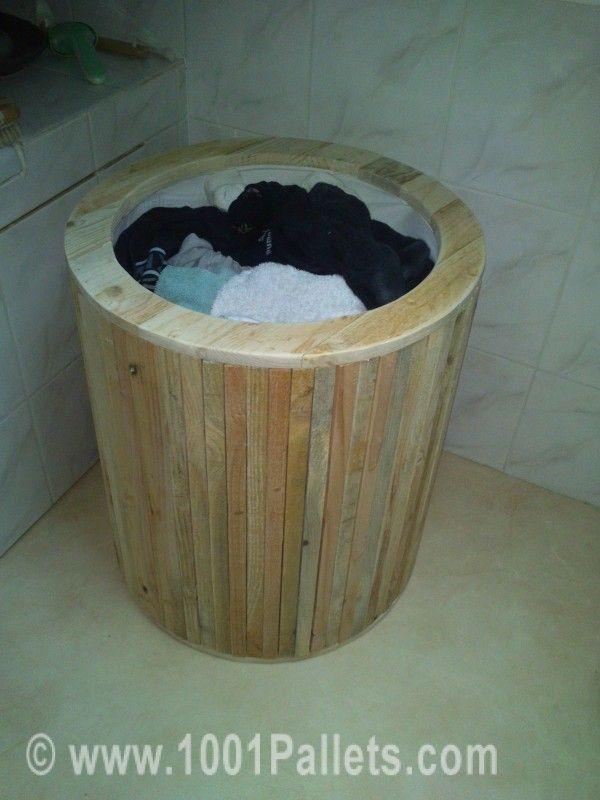 laundry basket from pallets corbeille linge pallet. Black Bedroom Furniture Sets. Home Design Ideas