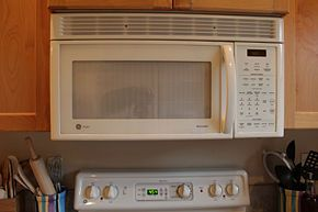 Install an Over The Range Microwave - wikiHow