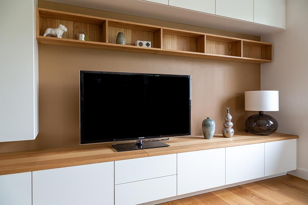 Meuble Tv Sur Mesure Meuble Tele Mural En Angle En Sous Pente Behome Meuble Tele Mural Idee Meuble Tv Meuble Tv Sur Mesure