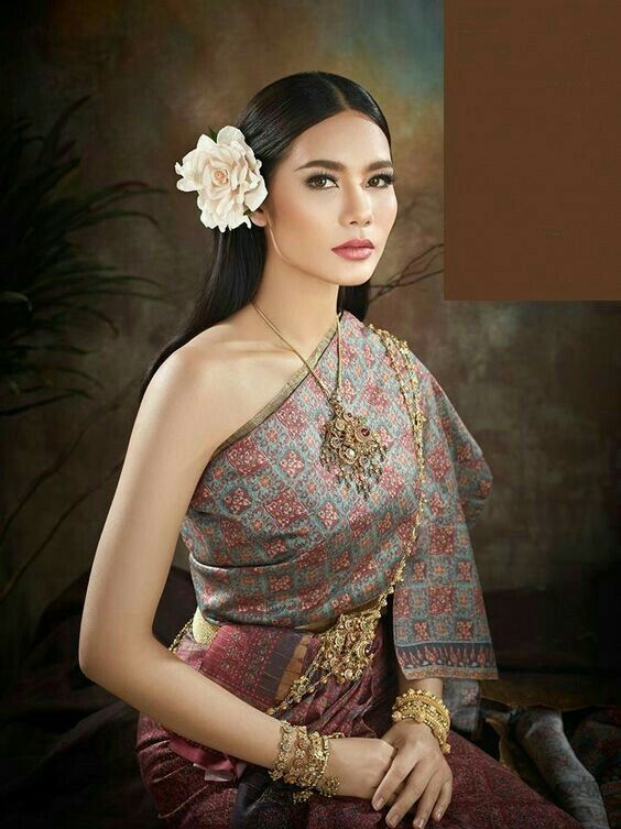 Thailand traditional wedding dress. | ชุดไทย | Pinterest ...