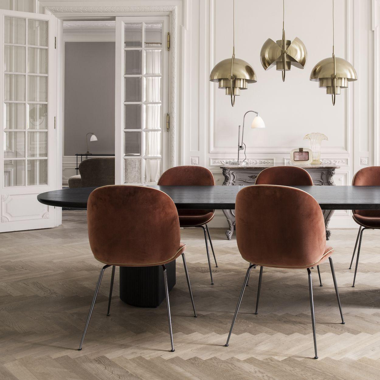gubi chaise beetle mobilier salle manger mobilier. Black Bedroom Furniture Sets. Home Design Ideas