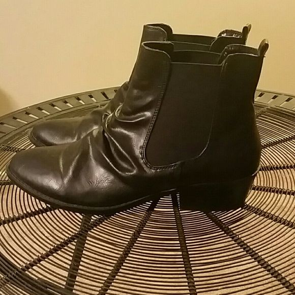 Arizona Jean Company Shoes - Ankle booties (worn once)