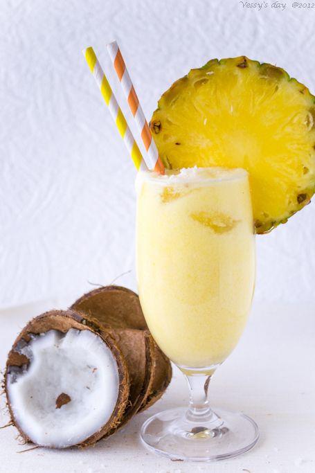 Pineapple coconut smoothie…….Кокосово-ананасово смути | Vessy's day