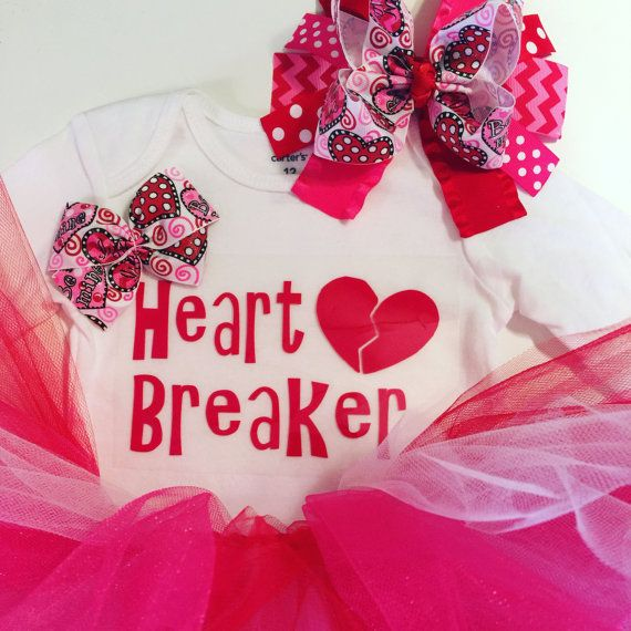 Newborn Valentine\'s Day outfit 1st Valentines by MelleeAndMeBows ...