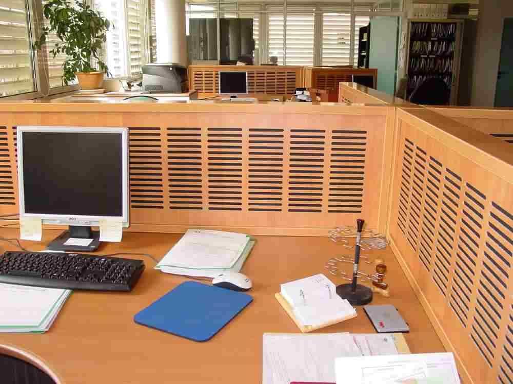 Qualidesk Claustra cloison mobile et crans de bureau