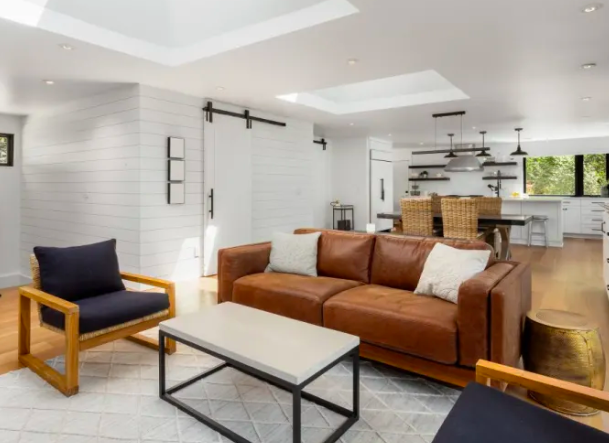 Here Are The Home Trends Reddit Thinks You Ll Regret With Images Home Trends Open Concept Living Room Living Room White