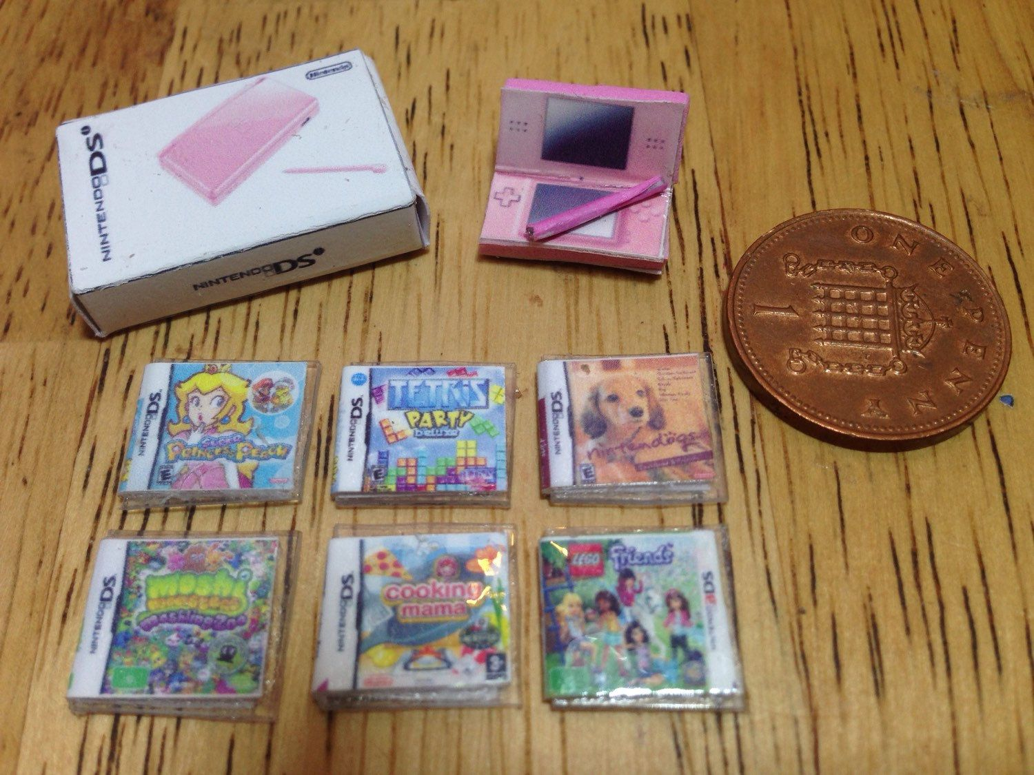 Dolls house handmade miniature nintendo ds bundle (girls) - pink ds console, console box and 6 tiny ds games 1/12 scale #miniaturedolls