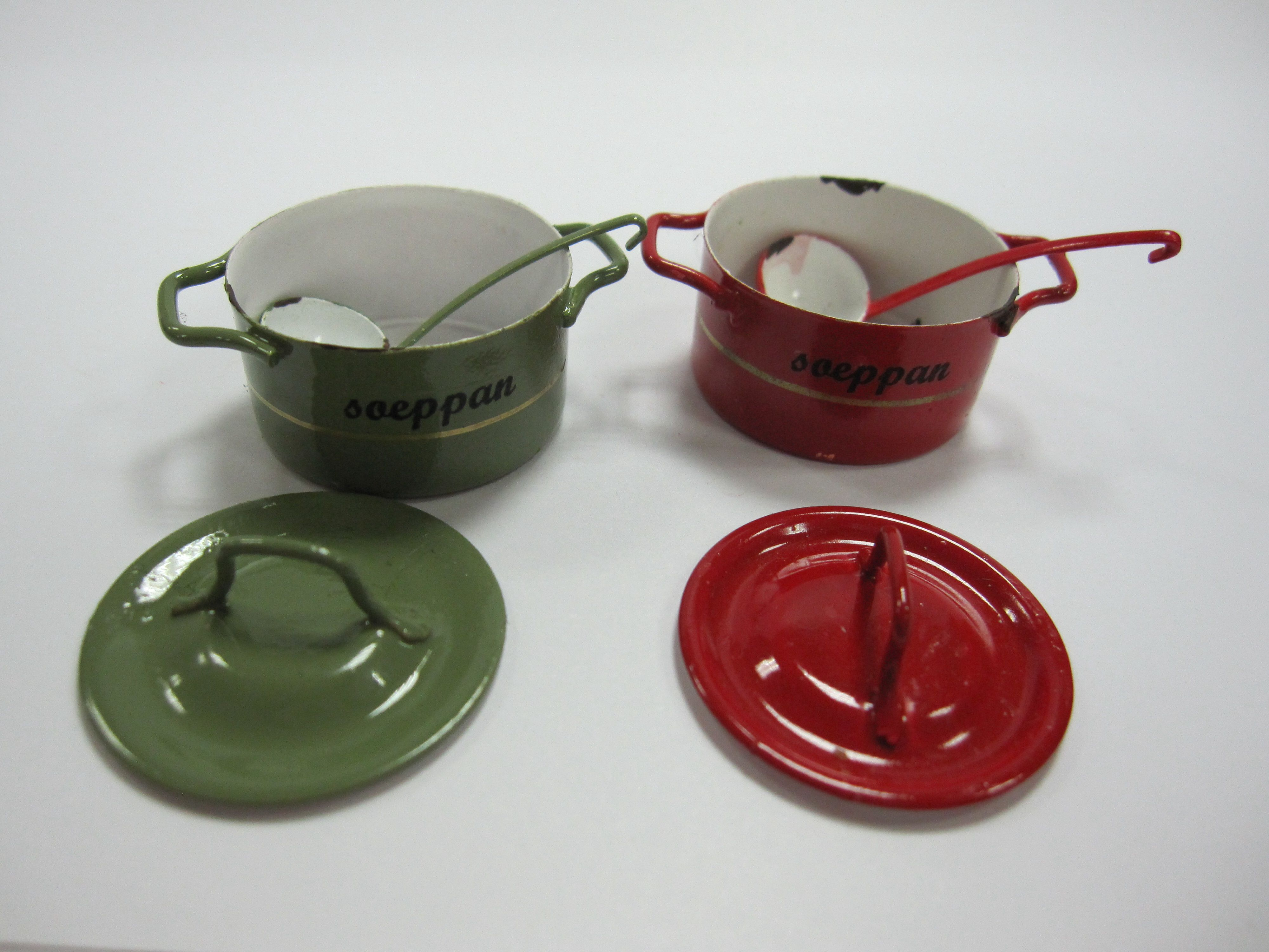 Aat Oukes Maakt Levensechte Miniaturen Miniature Poppenhuizen