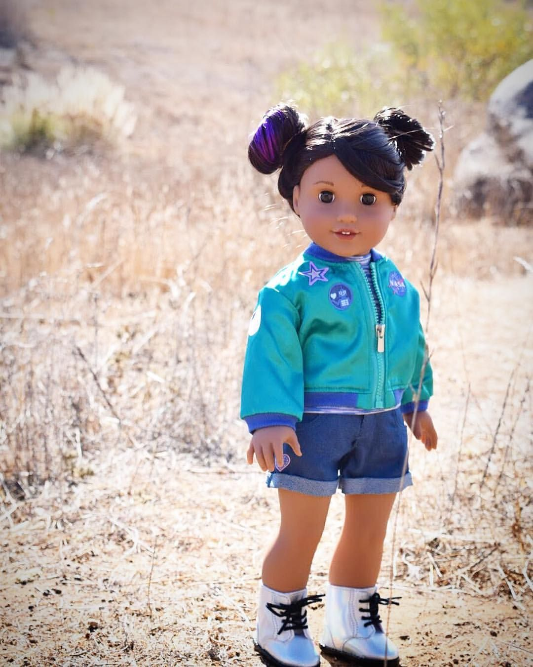 American Girl Doll Luciana Vega/'s Holographic Meet Boots