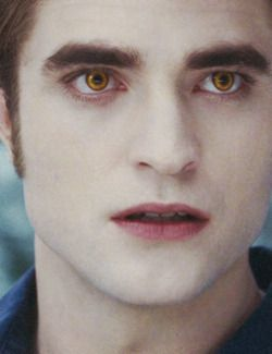 What Shade Of Lipstick Is This It S So Masculine Robert Pattinson Twilight Twilight Edward Edward Cullen