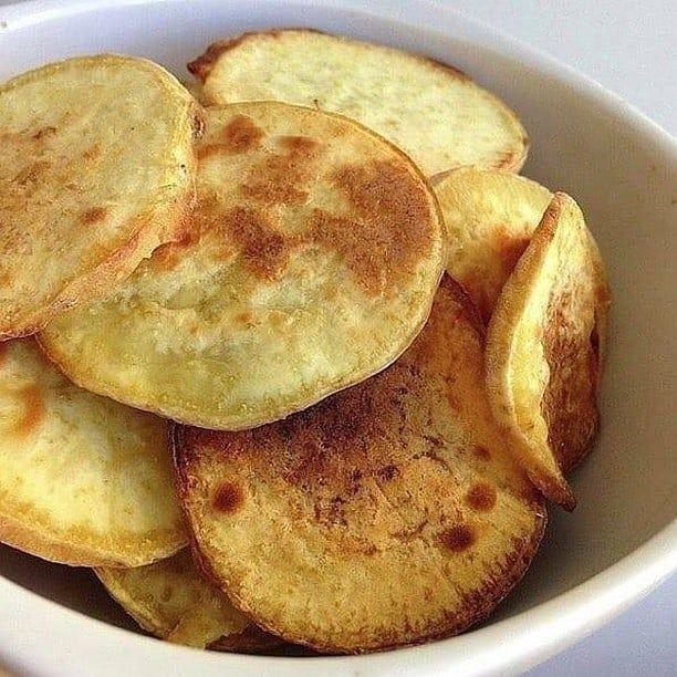 Deixe um ❤ e comente se você Gostou!🤗 . Uma das formas mais gostosas de consumir a batata doce: CHIP...