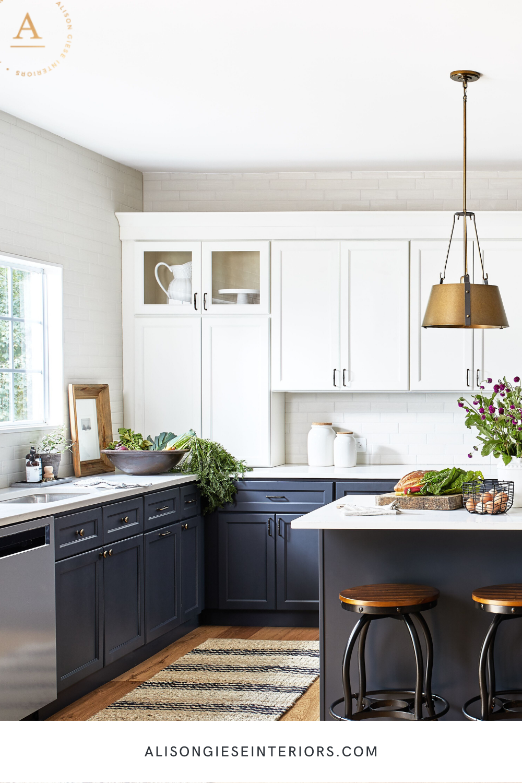 Tuxedo Kitchen Alison Giese Interiors In 2020 Kitchen Design Small Kitchen Tiles Design Kitchen Design