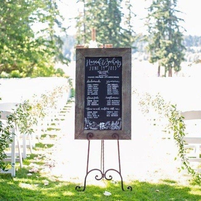 Cute pre-ceremony decor to great guests as they arrive! Regram from @kbykweddings, Photo by @connie_riggio & @amytantondesigns. #wedding #idea #diy