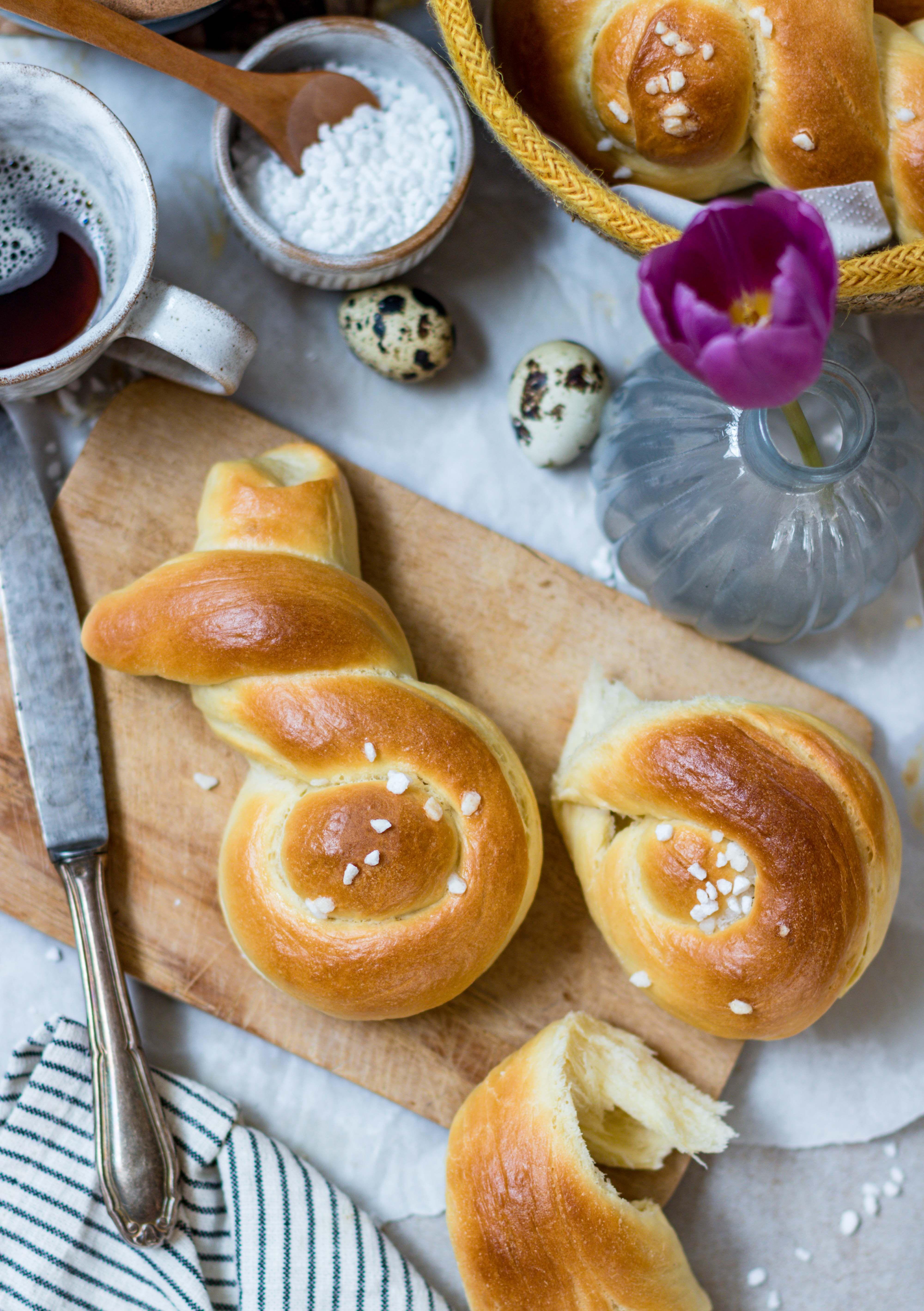 Hefeteig- Hasen | süßes Hefegebäck zu Ostern - Klara`s Life