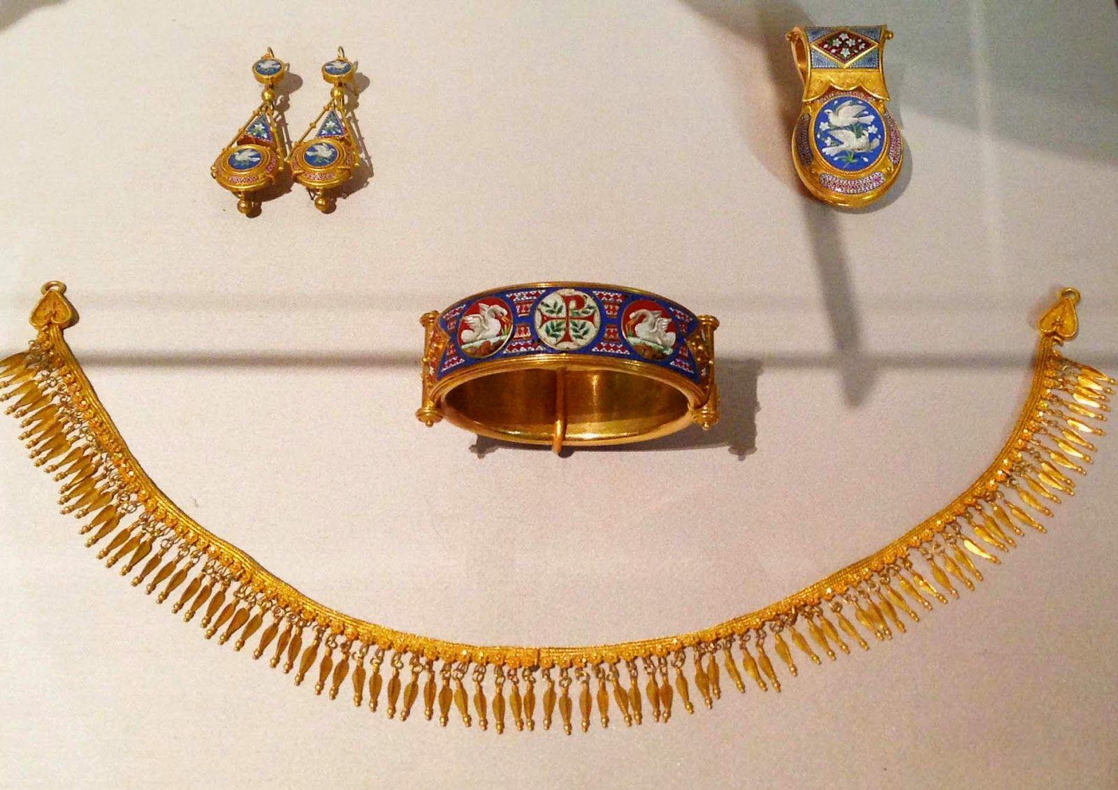 Gilded new york exhibit etruscan jewelry gems exhibition