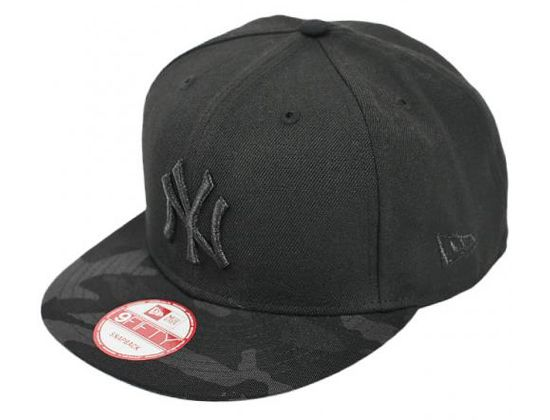 Camo Visor Tonal New York Yankees 9Fifty Snapback Cap by NEW ERA x ... a137aa56a680