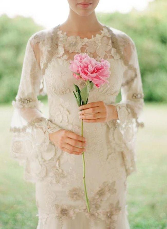 Bridal Bouquet Trend: The Single Stem   The Bridal Collective Blog ...