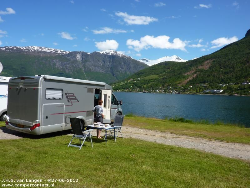 camperplaats olden stryn naesset camping noorwegen. Black Bedroom Furniture Sets. Home Design Ideas