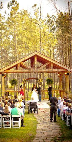 #GreatWeddingGiveaway beautiful outdoor wedding venue. Amber Springs
