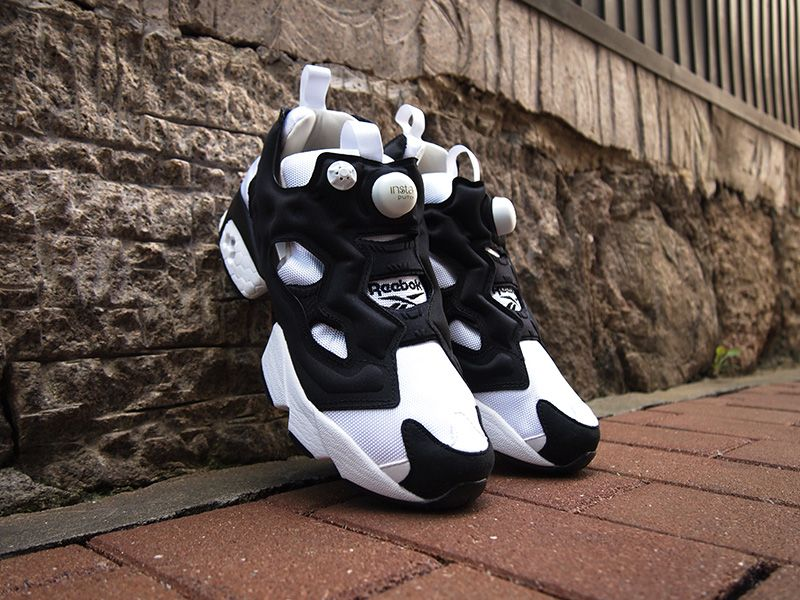 brand new 20282 7a415 M48559 REEBOK INSTA PUMP FURY OG Reebok insta pump fury original WHITE  BLACK WHITE GOLD