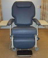 Merveilleux FR588W Infusion Chairs