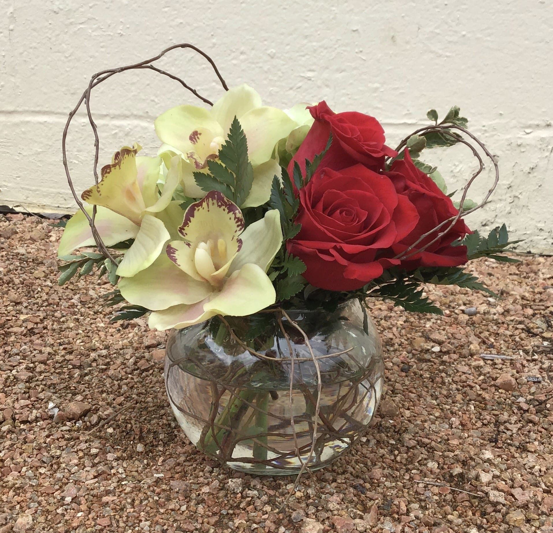 Get Lucky Floral Arrangement in 2020 Flower delivery