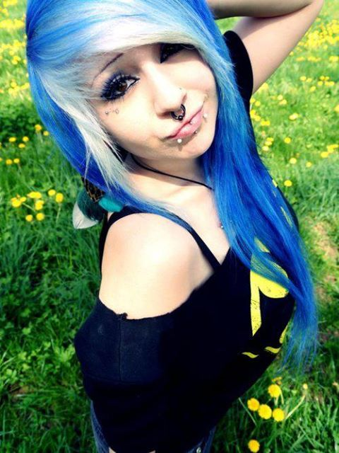 Verena Schizophrenia With Images Emo Hair Cool Hairstyles