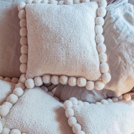 Almohadón tejido en telar con lana pura de oveja. El