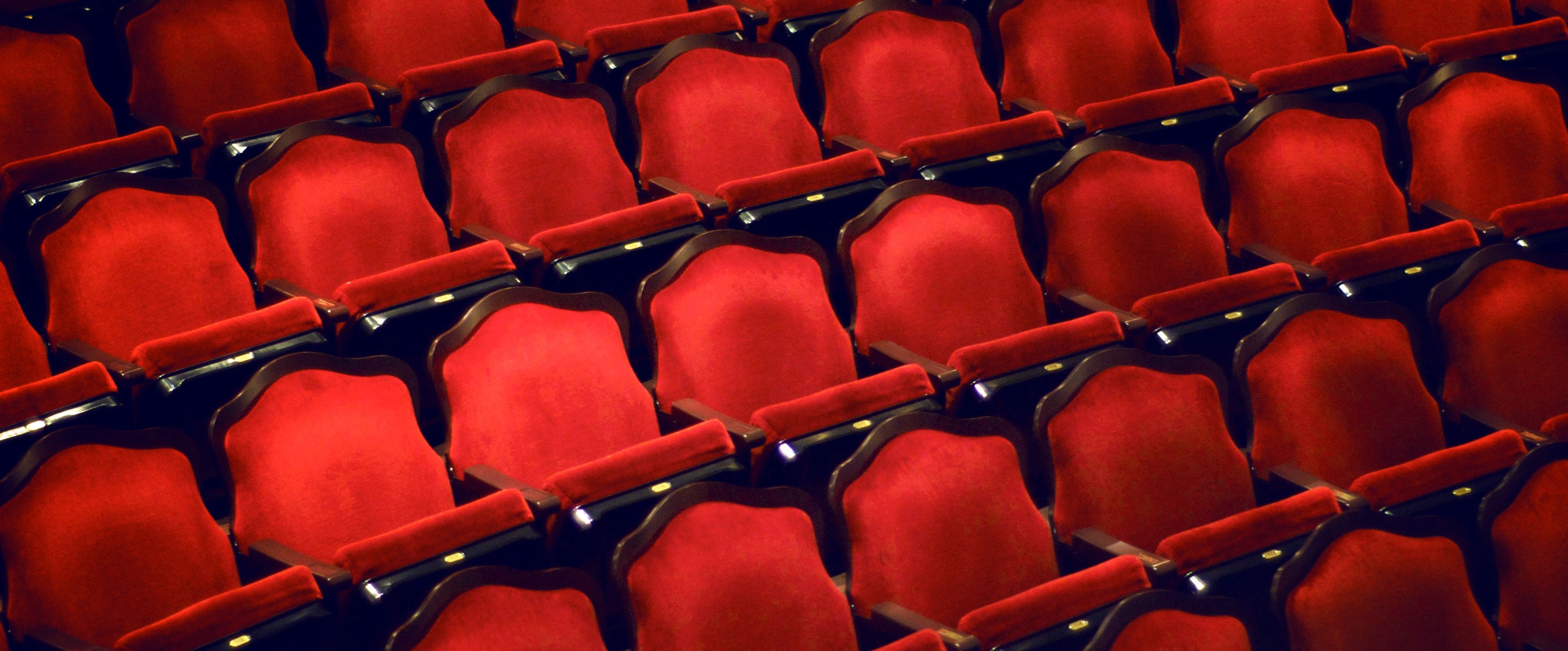 You should be very careful while giving order for the chairs if you need to choose chairs for the theaters.