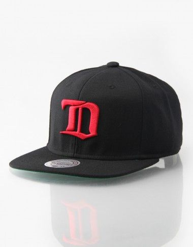 52394f9edcf09 Mitchell   Ness NHL Detroit Redwings Wool Solid 2 Snapback Cap -  RouteOne.co.uk