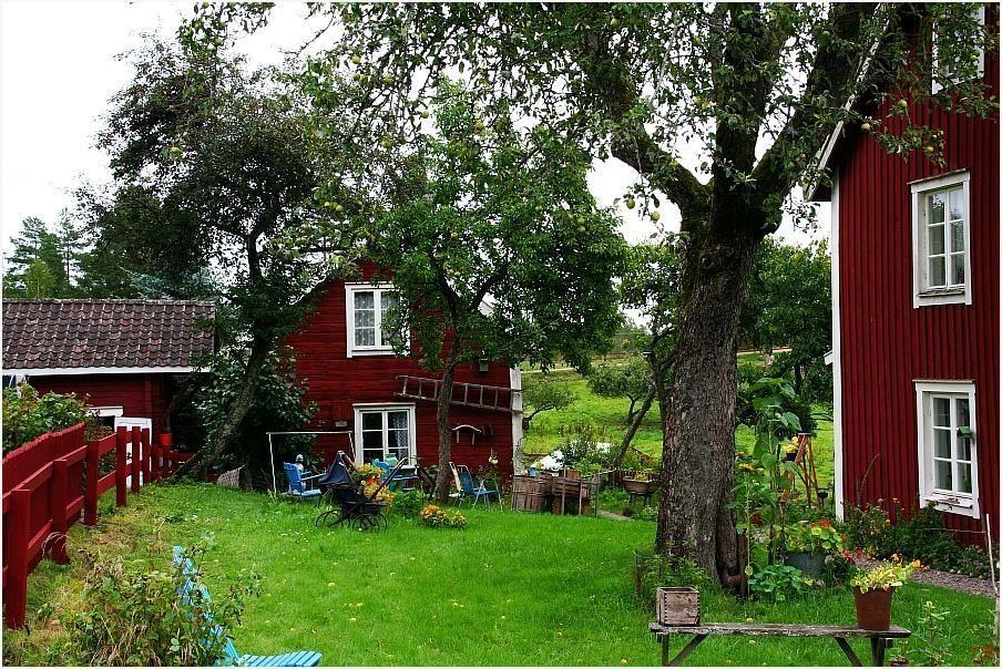 pin von monika auf skandinavien pinterest haus schwedenhaus und schweden. Black Bedroom Furniture Sets. Home Design Ideas